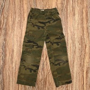 Children's Place Camo Cargo Pants Size 6